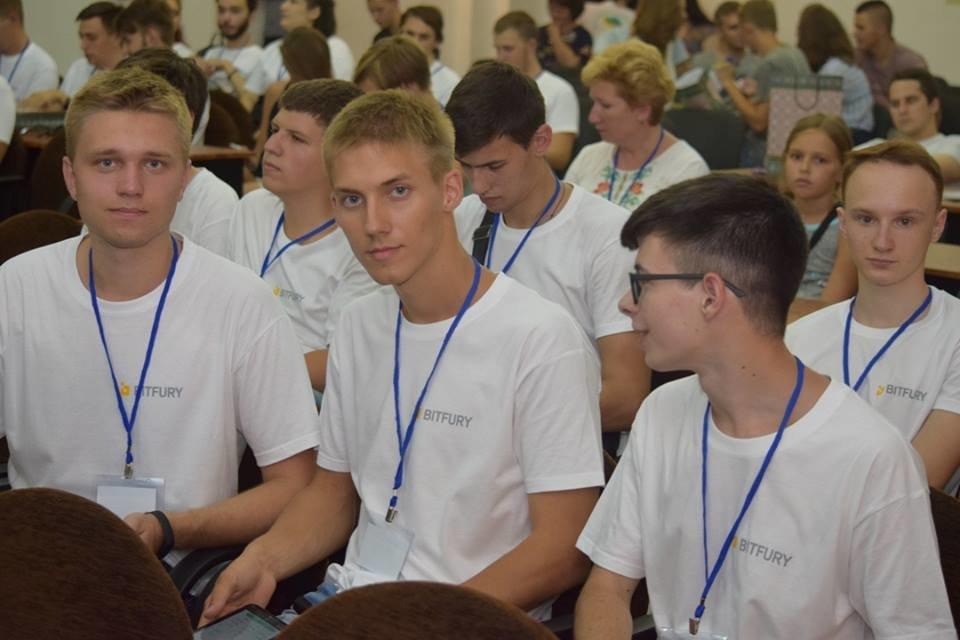 Молоді програмісти з вишів України та Грузії: в Ужгороді стартувала Літня школа з програмування (ФОТО), фото-4