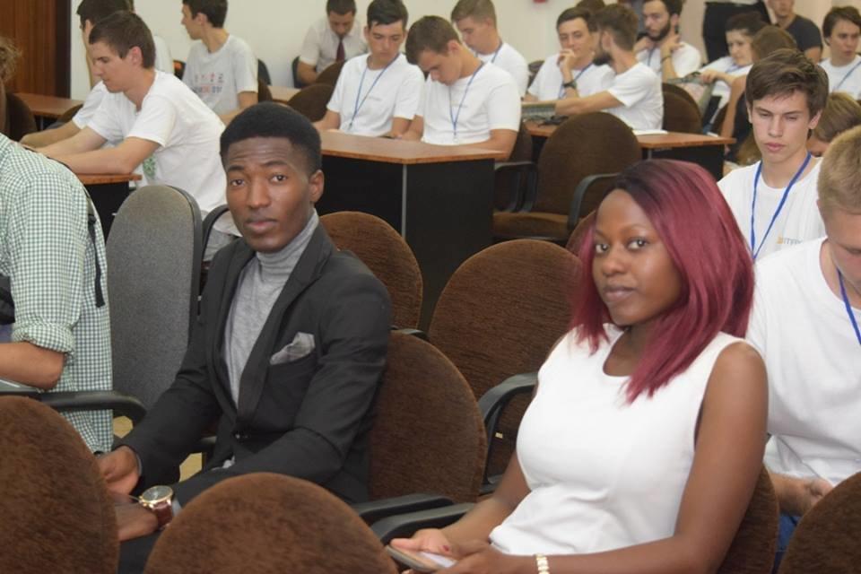 Молоді програмісти з вишів України та Грузії: в Ужгороді стартувала Літня школа з програмування (ФОТО), фото-1