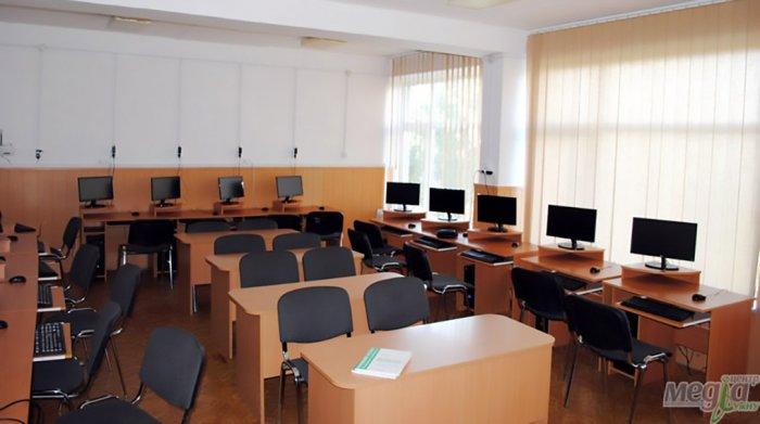 Для факультетів УжНУ на новий навчальний рік закупили 106 комп'ютерів (ФОТО), фото-1