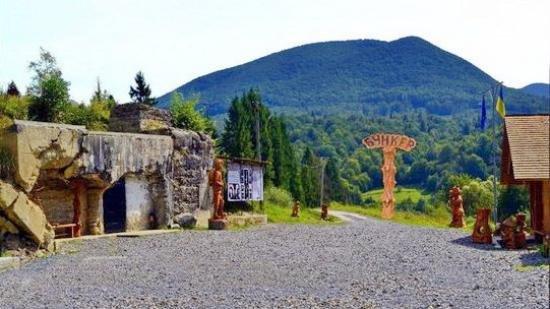 На Закарпатті ремонтують дорогу до відомого туристичного об'єкту - Бункера «Лінії Арпада» (ФОТО), фото-2