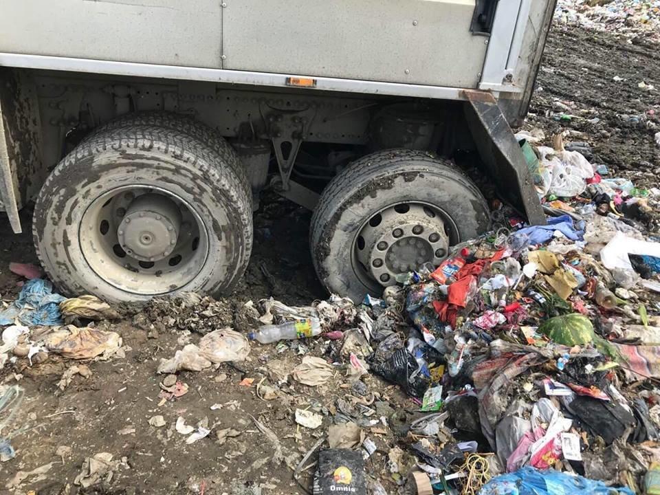 """ТОВ """"АВЕ Ужгород"""" назвало причини перебоїв у вивезенні сміття в місті (ФОТО), фото-8"""