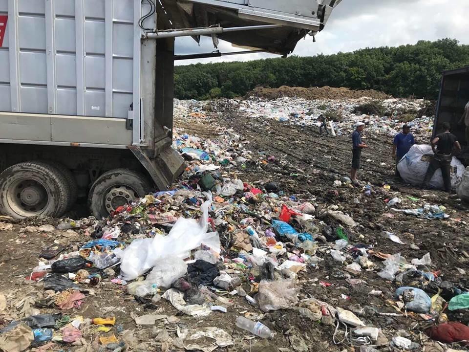 """ТОВ """"АВЕ Ужгород"""" назвало причини перебоїв у вивезенні сміття в місті (ФОТО), фото-6"""