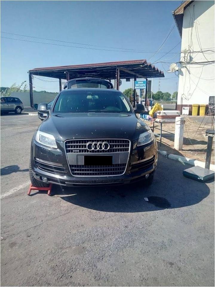 """Викрадені в Румунії та Польщі: на Закарпатті затримали розшукувані Інтерполом """"Audi Q7"""" та """"Mercedez-Benz"""" (ФОТО), фото-1"""