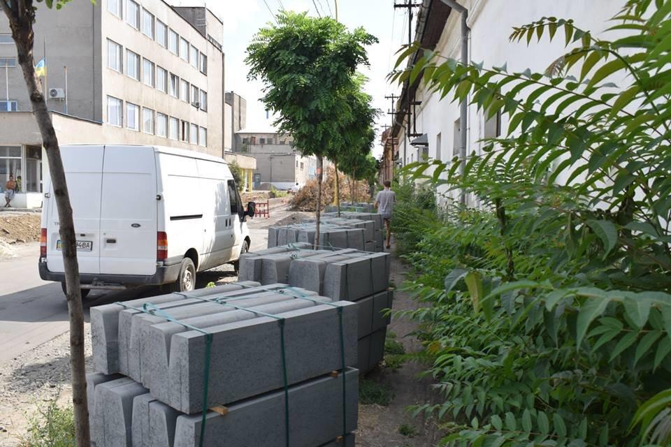 Ужгородська мерія проінспектувала на якому етапі капітальний ремонт на Шумній (ФОТО), фото-3