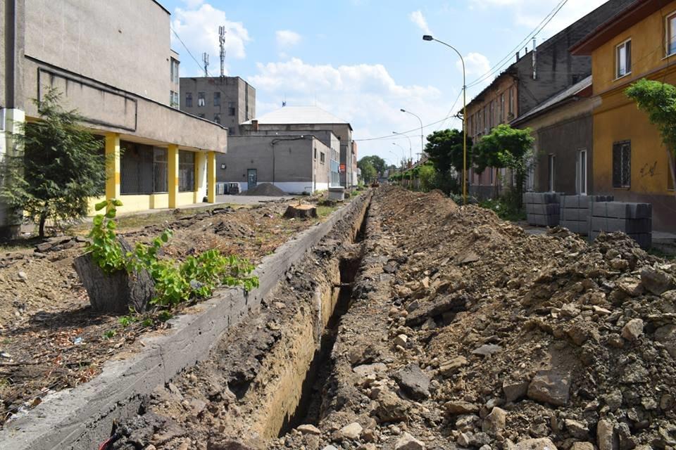 Ужгородська мерія проінспектувала на якому етапі капітальний ремонт на Шумній (ФОТО), фото-7