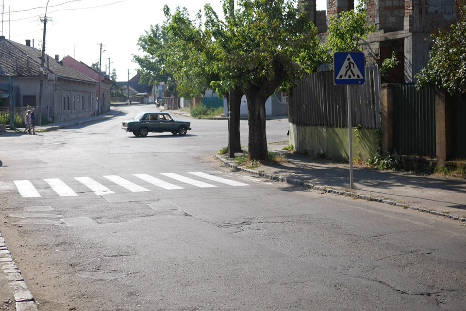 В Ужгороді до навчального року оновлюють пішоходні переходи (ФОТО), фото-3