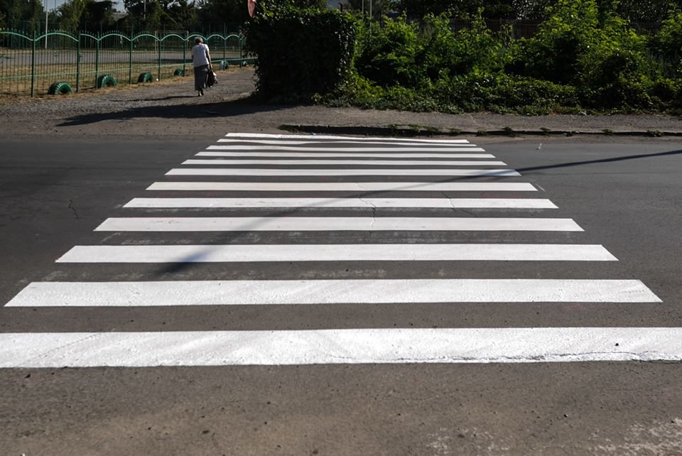 В Ужгороді до навчального року оновлюють пішоходні переходи (ФОТО), фото-5