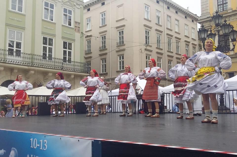 Фольклорно-етнографічний ансамбль «Ужгород» виступив на Міжнародному Фестивалі у Львові (ФОТО), фото-13