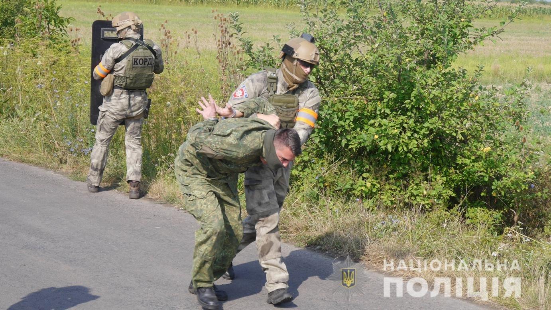 Авіація, спецназ та вибухотехніки: на Закарпатті пройшли масштабні антитерористичні навчання (ФОТО, ВІДЕО), фото-11
