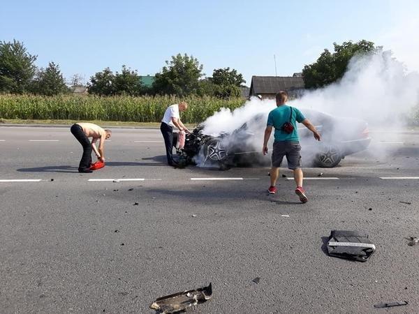 Священик із Закарпаття показав фотографії з місця жахливої аварії, в яку він потрапив під Львовом , фото-1