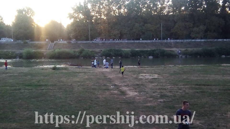У Мукачеві з інтервалом у півгодини потонули двоє чоловіків (ФОТО), фото-2