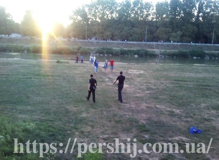 У Мукачеві з інтервалом у півгодини потонули двоє чоловіків (ФОТО), фото-1