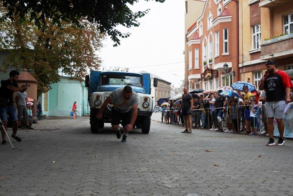 У центрі Ужгорода змагалися силачі (ФОТОРЕПОРТАЖ), фото-8