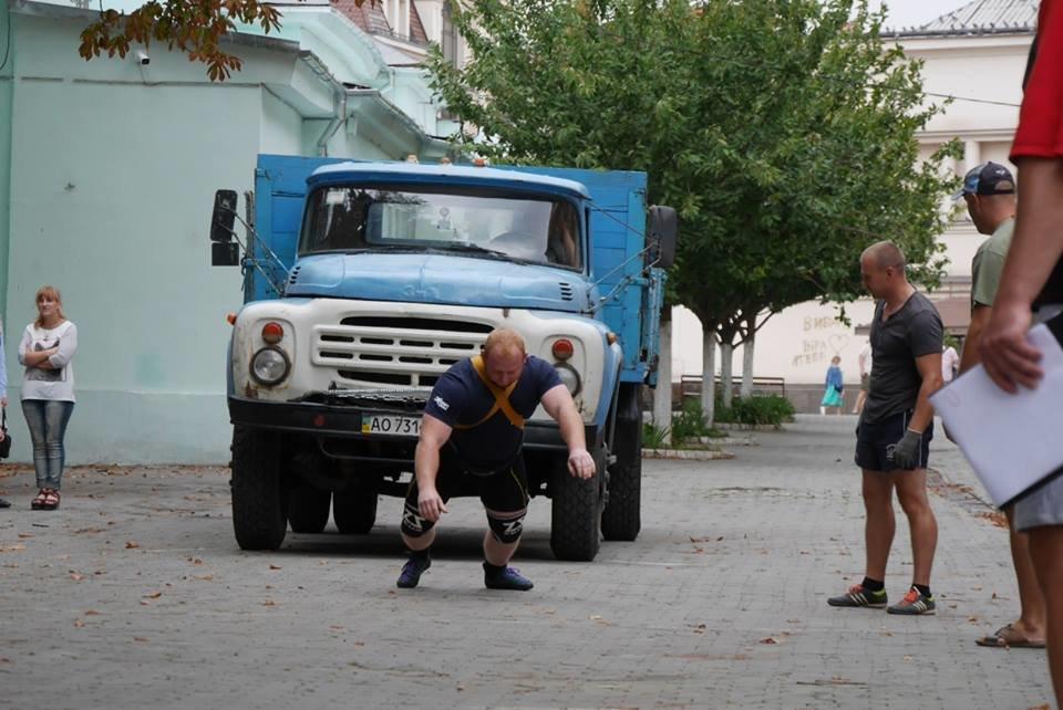 У центрі Ужгорода змагалися силачі (ФОТОРЕПОРТАЖ), фото-4