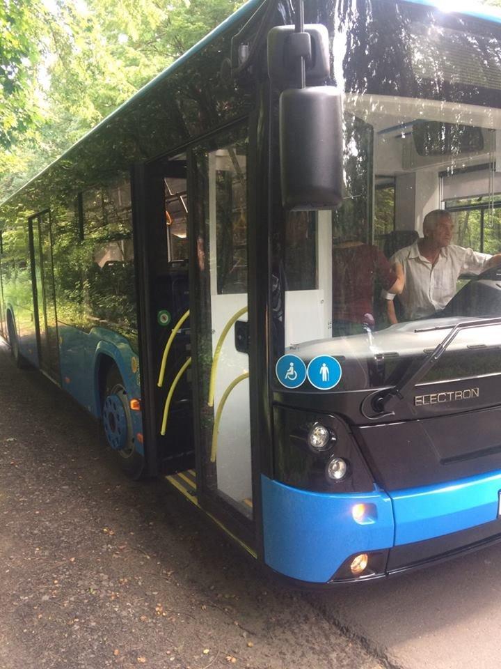 """В Ужгороді через 2 тижні їздитимуть 10 нових автобусів """"Електрон"""" синього кольору (ФОТО), фото-3"""