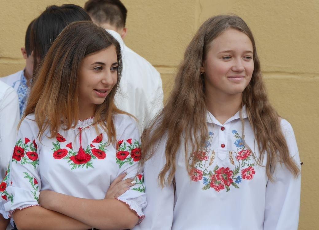 Перший раз у перший клас: Ужгород святкує 1 вересня (ОНОВЛЕНО, ФОТО), фото-7