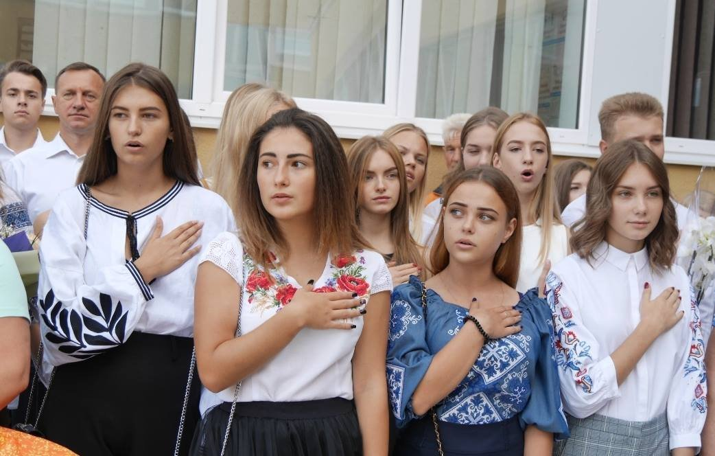 Перший раз у перший клас: Ужгород святкує 1 вересня (ОНОВЛЕНО, ФОТО), фото-8
