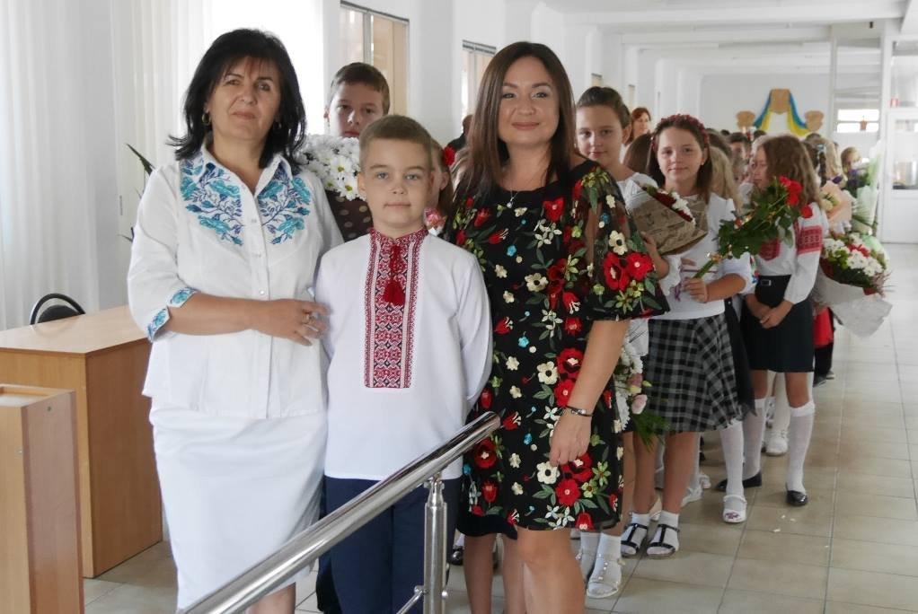 Перший раз у перший клас: Ужгород святкує 1 вересня (ОНОВЛЕНО, ФОТО), фото-9