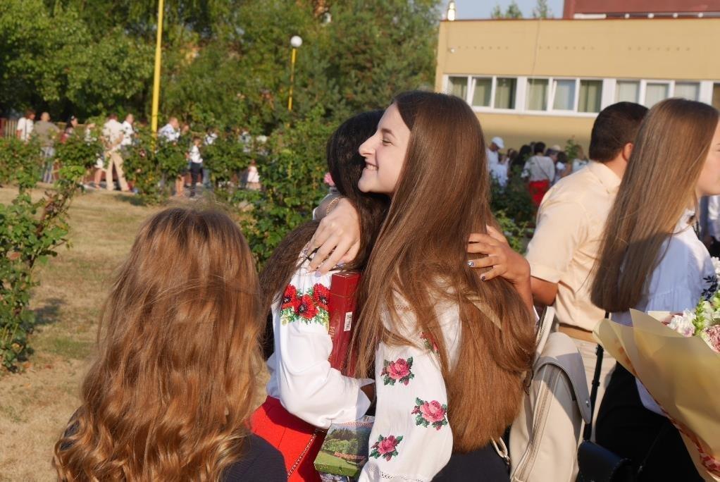 Перший раз у перший клас: Ужгород святкує 1 вересня (ОНОВЛЕНО, ФОТО), фото-12
