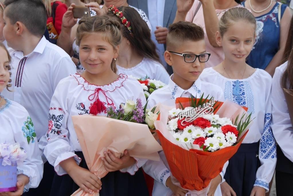 Перший раз у перший клас: Ужгород святкує 1 вересня (ОНОВЛЕНО, ФОТО), фото-14
