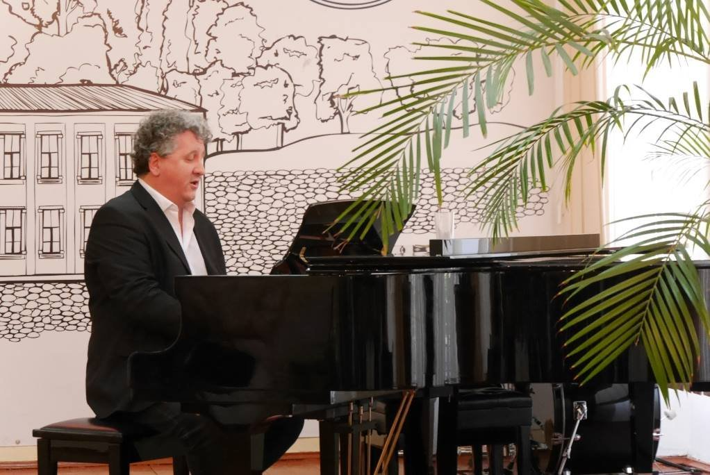 Директор Національної угорської опери відкрив в Ужгороді міні-скульптурку Ференца Еркеля (ФОТО), фото-7