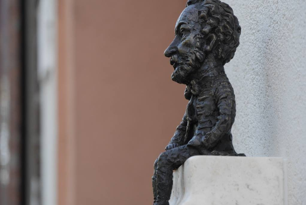 Директор Національної угорської опери відкрив в Ужгороді міні-скульптурку Ференца Еркеля (ФОТО), фото-3