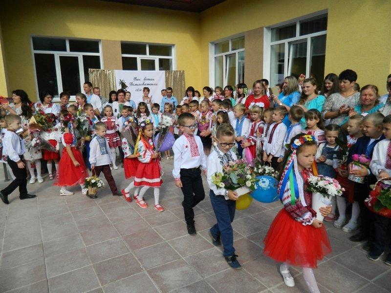 На Рахівщині для 80-ти учнів урочисто відкрили нову школу, на яку чекали 10 років (ФОТО), фото-3