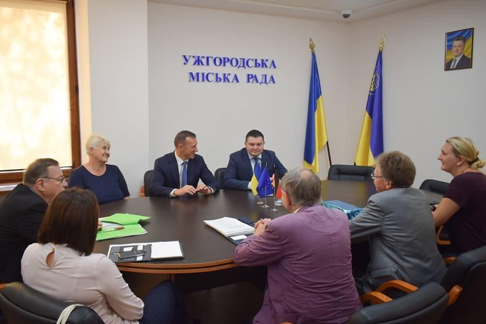 В Ужгороді відбулась зустріч мера із делегацією з Дармштадту, міста-побратима Ужгорода (ФОТО), фото-1
