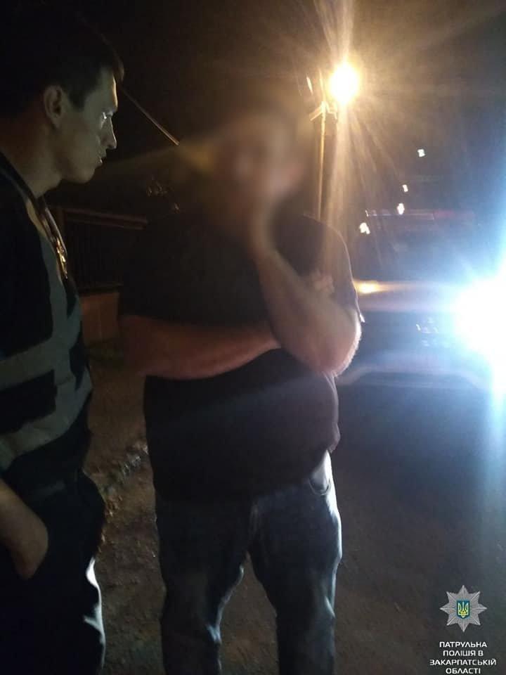Вночі в Ужгороді п'яний водій в'їхав в електроопору (ФОТО), фото-1