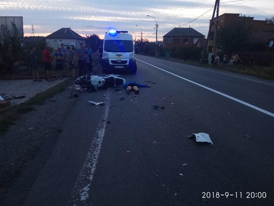 У Ракошино в ДТП загинув 22-річний мотоцикліст: чоловік був без шолому, вдарився головою в зад вантажівки (УСІ ПОДРОБИЦІ, ФОТО), фото-5