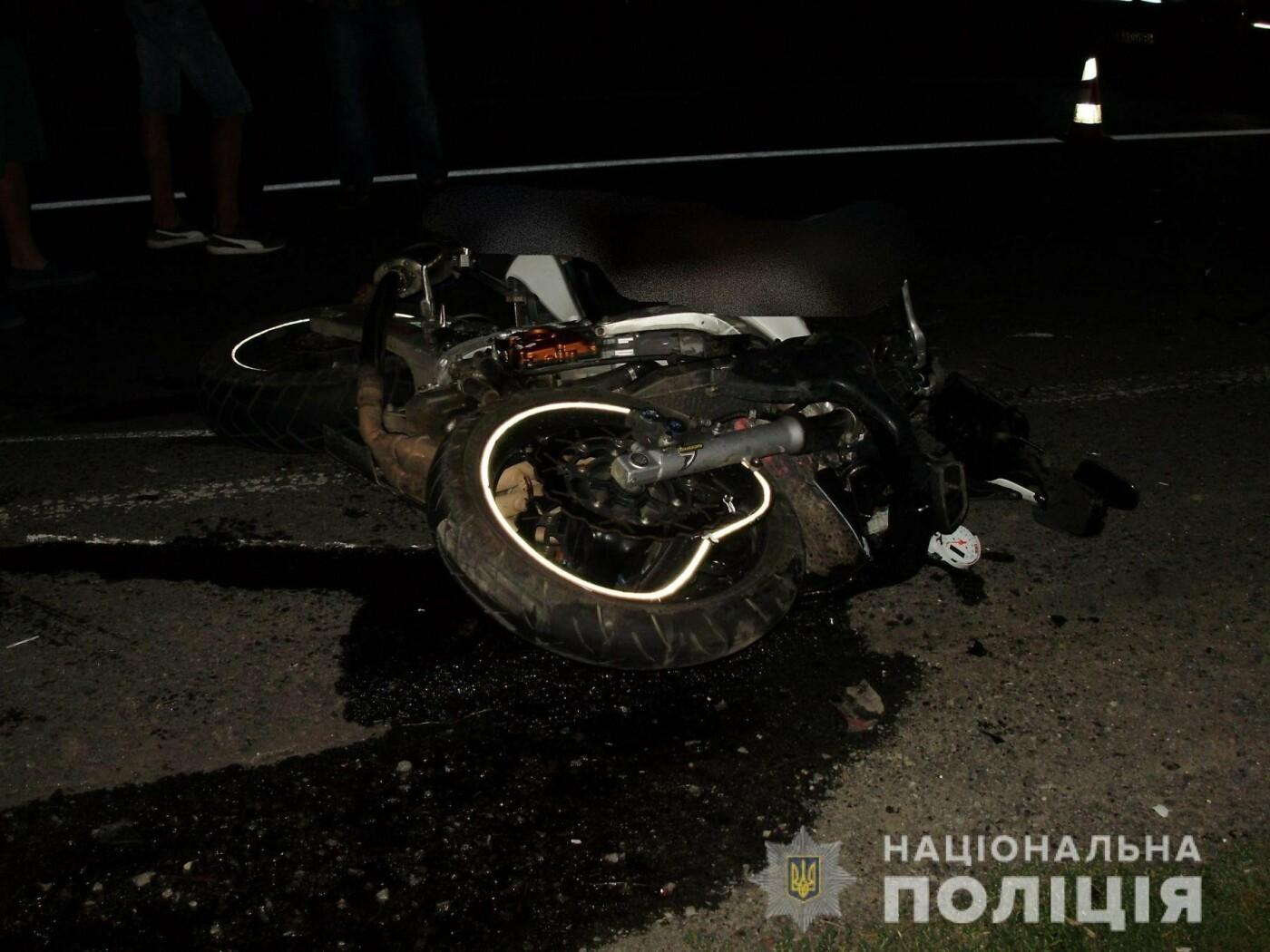У Ракошино в ДТП загинув 22-річний мотоцикліст: чоловік був без шолому, вдарився головою в зад вантажівки (УСІ ПОДРОБИЦІ, ФОТО), фото-2