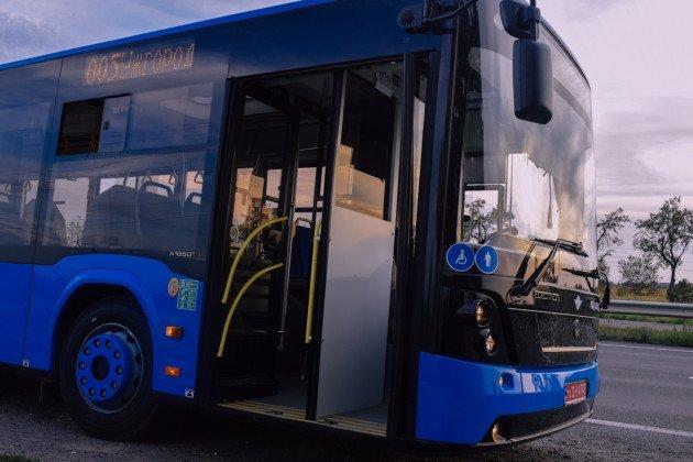 """Очікуйте на вулицях міста: два маршрути в Ужгороді отримають новенький автобус """"Електрон"""" (ФОТО), фото-4"""