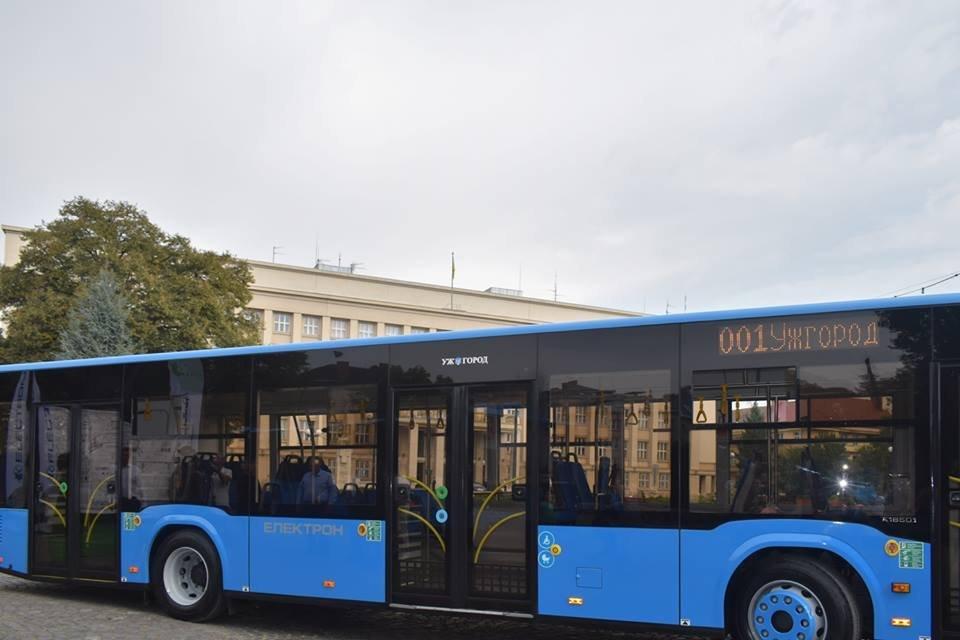 Ужгородцям показали облаштування двох нових автобусів, які вийдуть на маршрути №№ 18,20 (ФОТО), фото-3