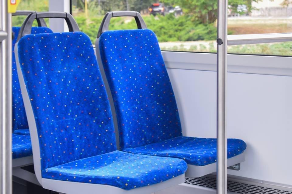 Ужгородцям показали облаштування двох нових автобусів, які вийдуть на маршрути №№ 18,20 (ФОТО), фото-16