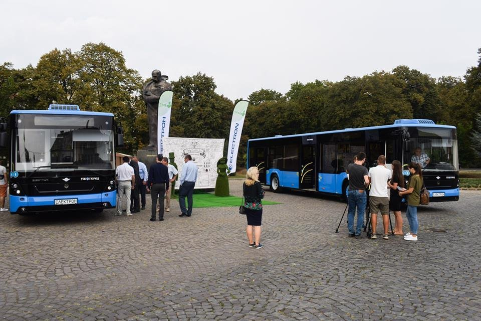 Ужгородцям показали облаштування двох нових автобусів, які вийдуть на маршрути №№ 18,20 (ФОТО), фото-7