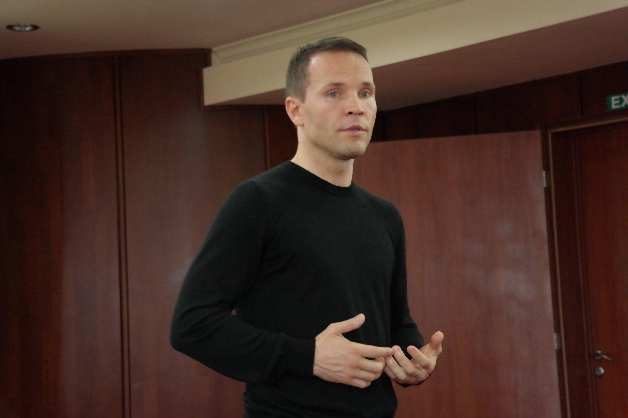 Дерев'янко в Ужгороді запропонував скасувати мита та акцизи на авто з єврономерами (ФОТО, ВІДЕО), фото-1