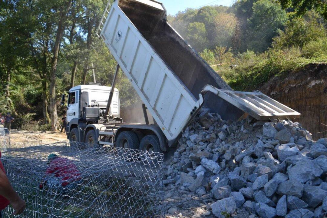 На Закарпатті нарешті відновлюють дорогу до кордону, зруйновану минулорічним паводком (ФОТО), фото-1
