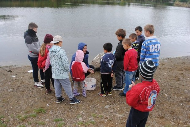На «Кірпічці» провели благодійний захід «Ужгородські поплавці», де навчали правильно вудити рибу (ФОТО), фото-2