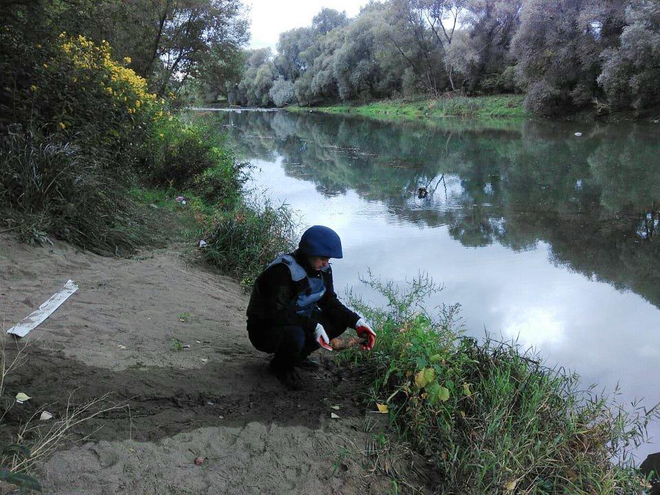 Обережно: на березі Ужа знову знайдено мінометну міну (ФОТО), фото-2