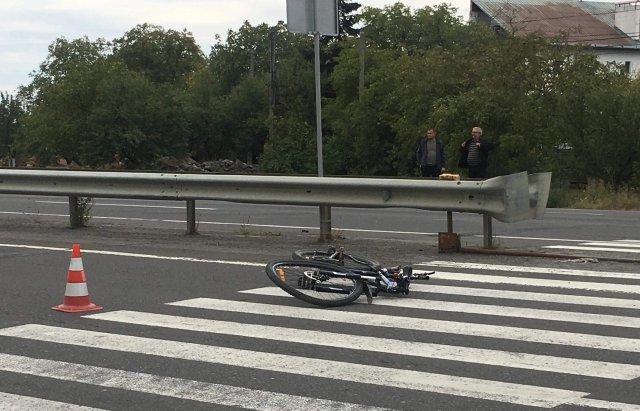 ДТП біля Ужгорода: Мікроавтобус збив пішохода на переході (ФОТО), фото-3