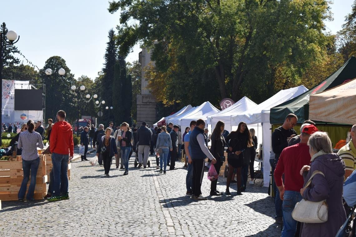 Їжа, напої та музика: В Ужгороді стартували Чеські дні (ВІДЕО, ФОТО), фото-7