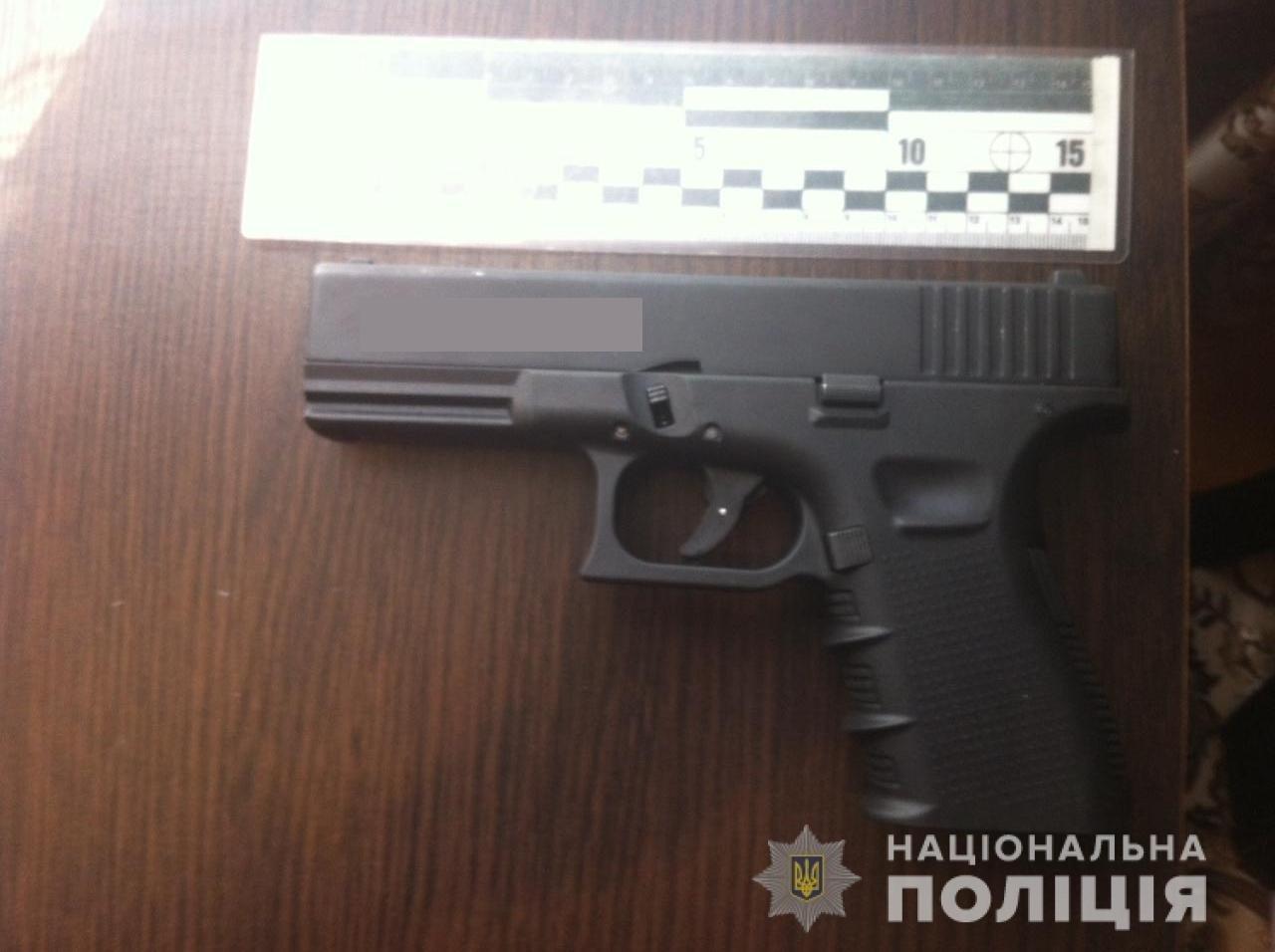 Злодія, який виніс із приватного будинку на Закарпатті 300 тисяч гривень, знайшли на Житомирщині (ФОТО), фото-1