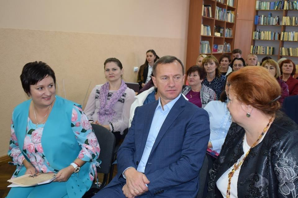 В Ужгороді з нагоди професійного свята привітали працівників бібліотек Ужгорода (ФОТО), фото-3