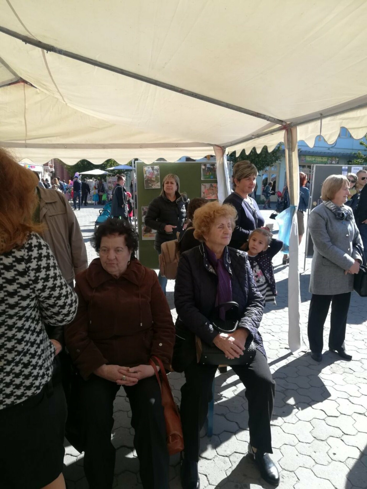 В Ужгороді на Театральній влаштували свято для людей похилого віку (ФОТОРЕПОРТАЖ), фото-4