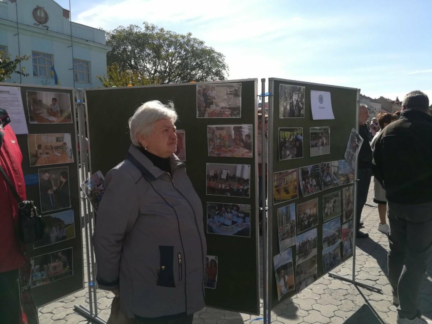В Ужгороді на Театральній влаштували свято для людей похилого віку (ФОТОРЕПОРТАЖ), фото-6