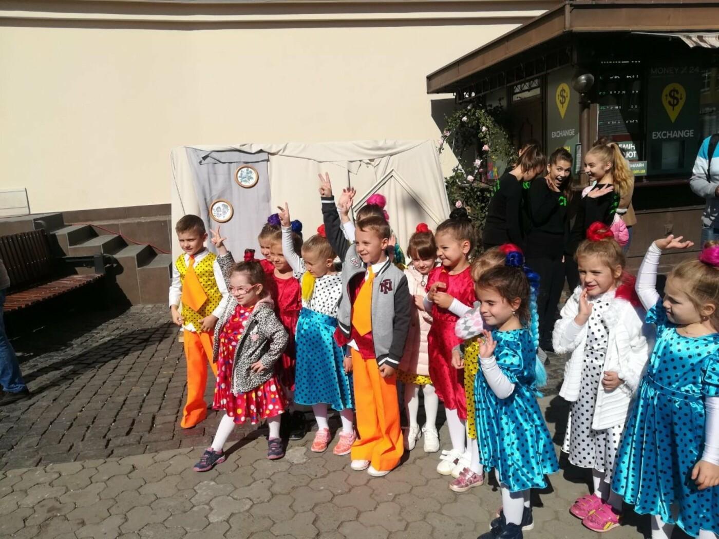В Ужгороді на Театральній влаштували свято для людей похилого віку (ФОТОРЕПОРТАЖ), фото-43