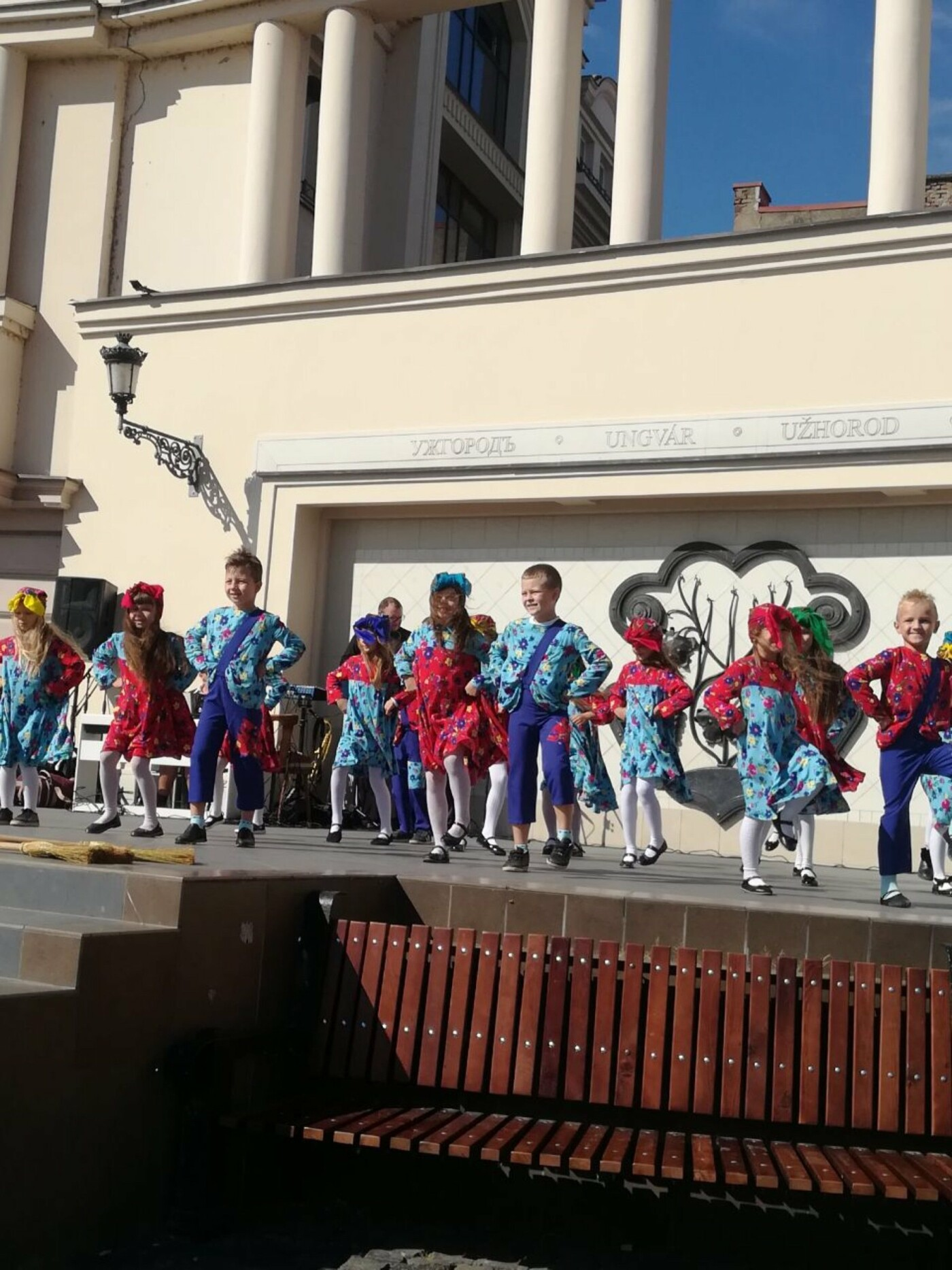 В Ужгороді на Театральній влаштували свято для людей похилого віку (ФОТОРЕПОРТАЖ), фото-29