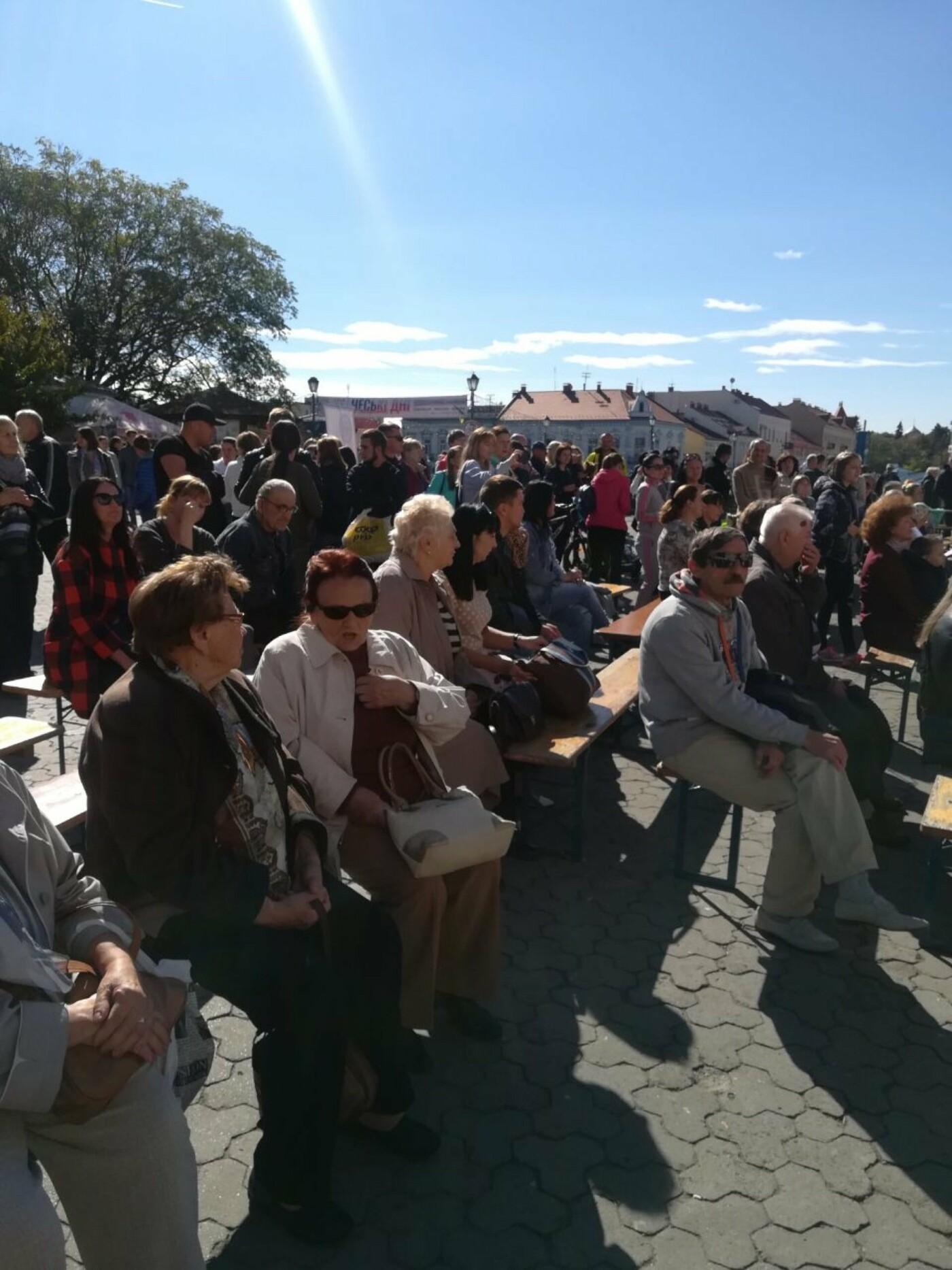 В Ужгороді на Театральній влаштували свято для людей похилого віку (ФОТОРЕПОРТАЖ), фото-15