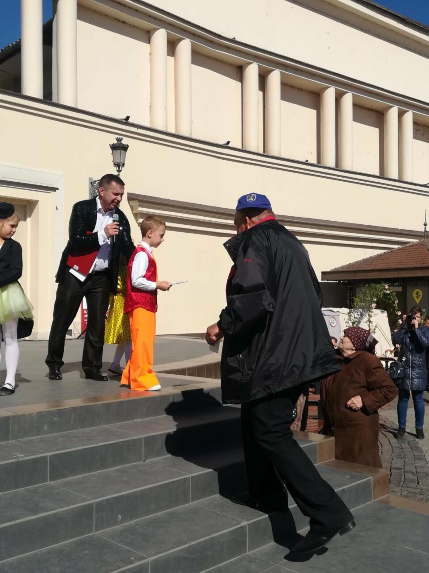 В Ужгороді на Театральній влаштували свято для людей похилого віку (ФОТОРЕПОРТАЖ), фото-19