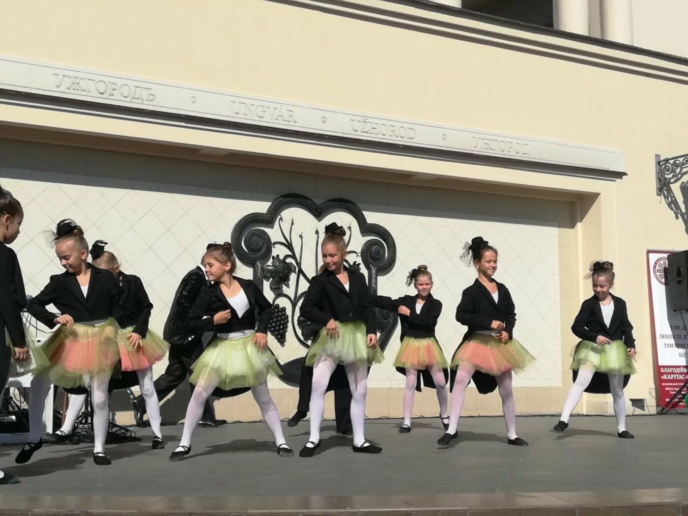 В Ужгороді на Театральній влаштували свято для людей похилого віку (ФОТОРЕПОРТАЖ), фото-14